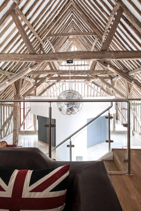 Photography - barn conversion in Sawbridgeworth:  Living room by Adelina Iliev Photography