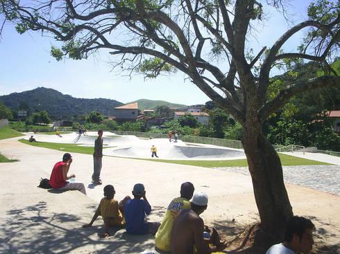 Praça Vila Nogueira: Jardins modernos por ODVO Arquitetura e Urbanismo