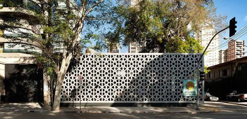 Restaurante Manish: Escadas  por ODVO Arquitetura e Urbanismo