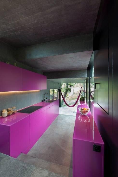Wohnhaus Dielsdorf: moderne Küche von L3P Architekten ETH FH SIA AG