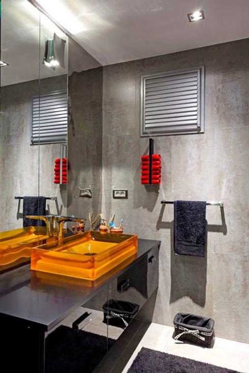 Mimoza Mimarlık – A. MORİTA EVİ  ANTALYA: modern tarz Banyo