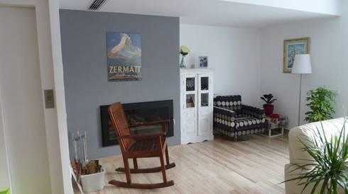 Feng Shui en una vivienda de Premià de Dalt: Salones de estilo escandinavo de Feng Shui Cristina Jové