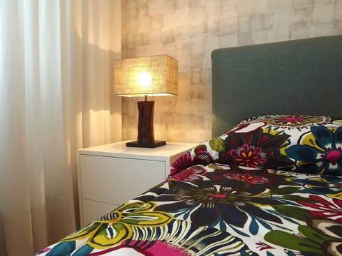 Suite: Quartos modernos por Traço Magenta - Design de Interiores