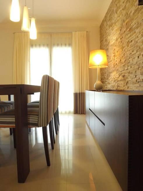 Zona de refeições: Salas de jantar rústicas por Traço Magenta - Design de Interiores