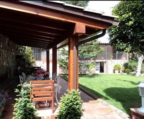 Jardín Feng Shui: Jardines de estilo mediterráneo de Feng Shui Cristina Jové