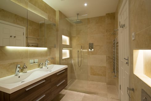 En-Suite: modern Bathroom by DDWH Architects
