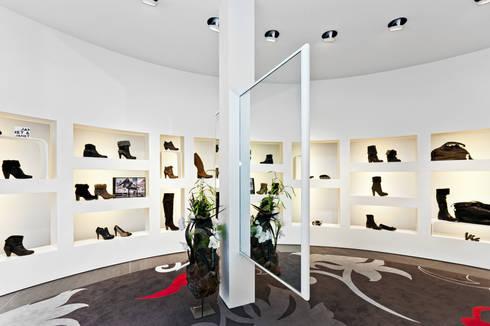 Spiegel:  Winkelruimten door Leonardus interieurarchitect