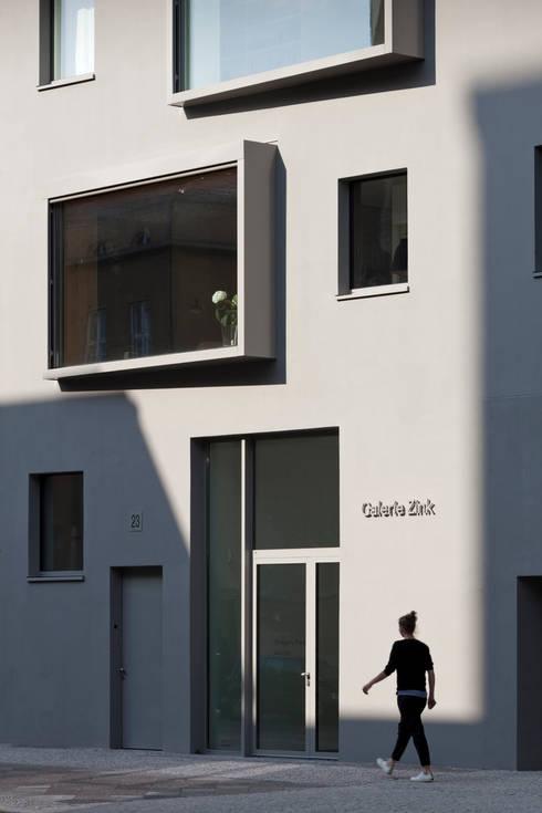Eingang:  Mehrfamilienhaus von BCO Architekten