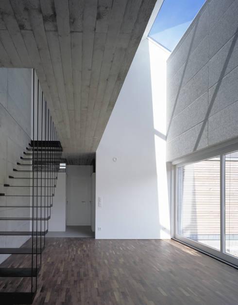 Wohnhaus H:  Esszimmer von Matthias Maurer Architekten