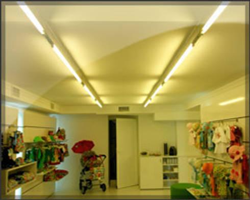 Grupo Electrón - Instalaciones eléctricas: Baños de estilo moderno de Grupo electrón - Instalaciones eléctricas