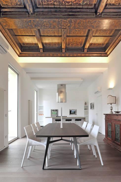 Casa albega ristrutturazione di un appartamento su due for Idee seminterrato a due livelli
