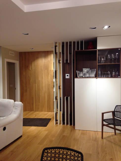 غرفة المعيشة تنفيذ Domenico Lupariello Architetto