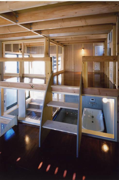 ◆バスルーム&デン◆: スタジオ4設計が手掛けた浴室です。