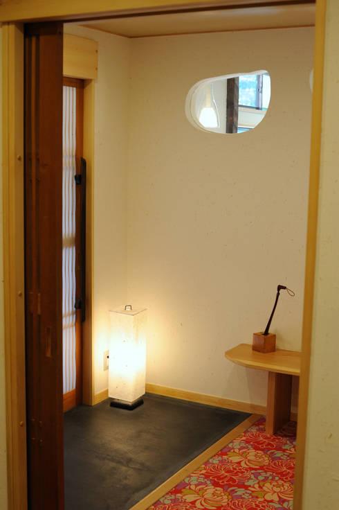 おとぎの里 エントランス: TAKA建築設計室が手掛けたホテルです。