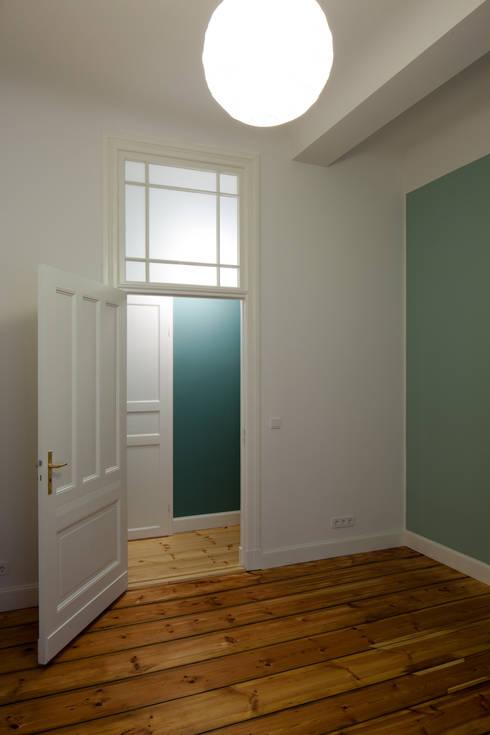 stadtwohnung in berlin von eingartner khorrami architekten bda homify. Black Bedroom Furniture Sets. Home Design Ideas