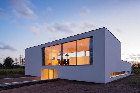 Villa DA: moderne Huizen door reitsema & partners architecten bna