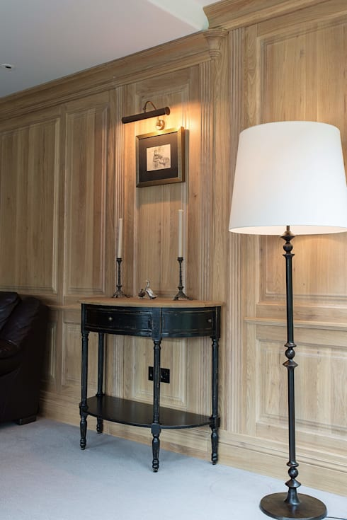 classic Living room by Арт-дизайн Студия Юрия Зубенко