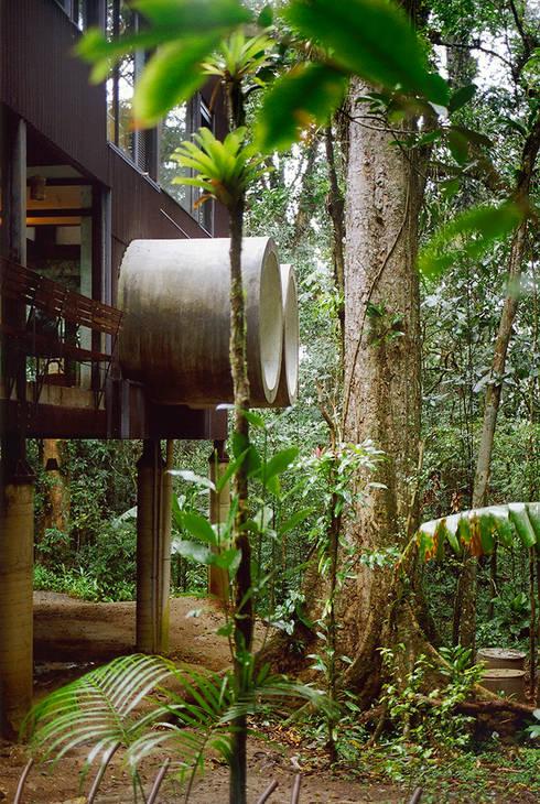 Sertão da Barra do Una | casa: Casas tropicais por ARQdonini Arquitetos Associados