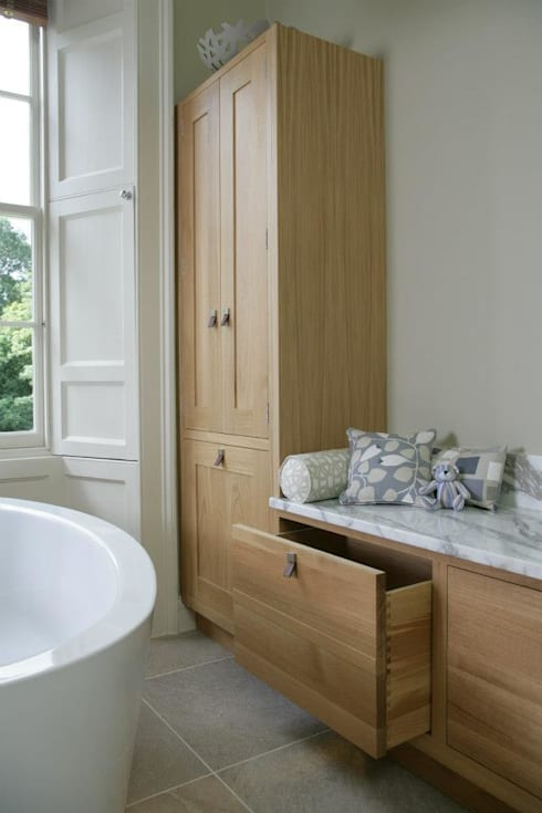 Dream Bathroom:  Bathroom by Sculleries of Stockbridge