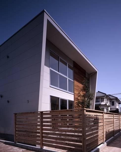三滝の家: 有限会社アルキプラス建築事務所が手掛けた家です。