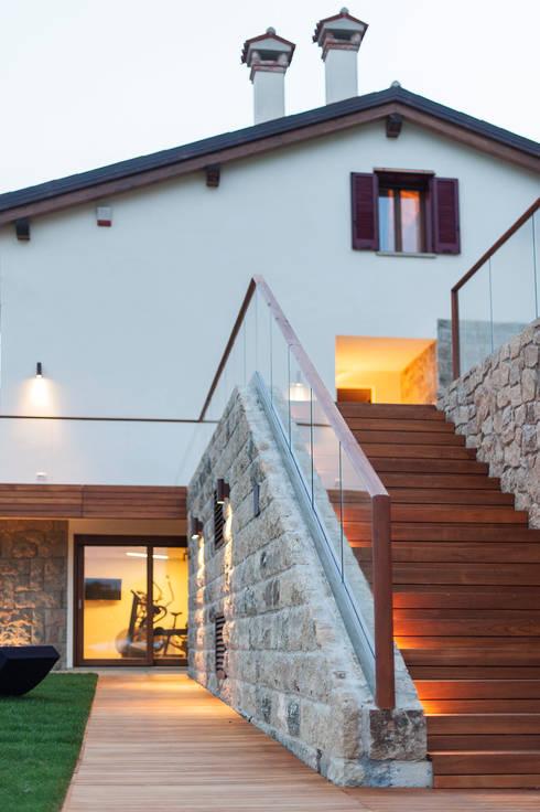 Residenza Colli Veneti: Case in stile in stile Classico di Andrea Tommasi