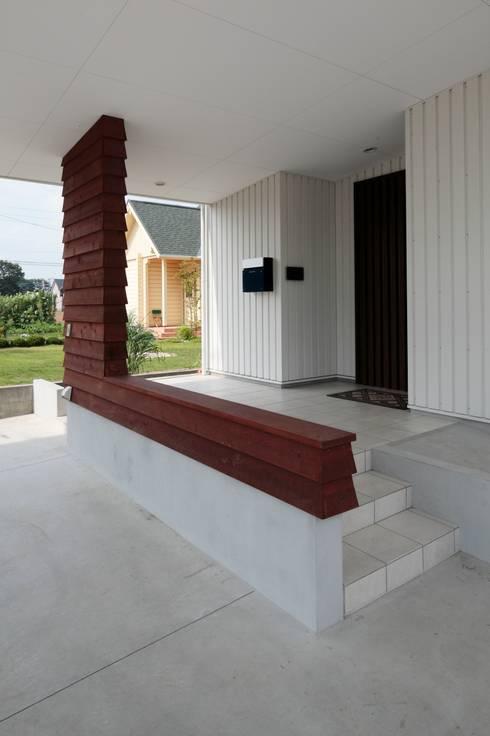 Casas modernas por 一級建築士事務所あとりえ