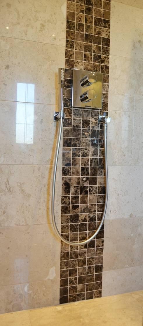 Polished Marble Walk In Shower:  Bathroom by Loveridge Kitchens & Bathrooms
