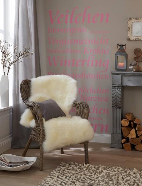 Pareti & Pavimenti in stile in stile Moderno di diewohnblogger