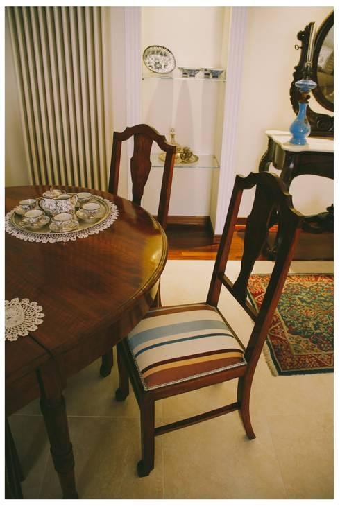 Sala de jantar  por Studio di Progettazione Arch. Tiziana Franchina
