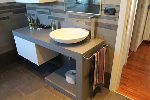 Appartamento in bari sfumature di grigio in bagno di silvia zaccaro architetto homify - Mature in bagno ...