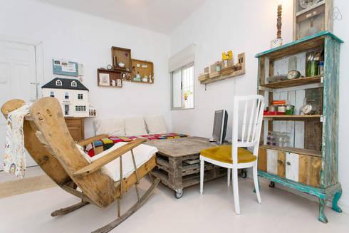 casa 10: Cocinas de estilo escandinavo de J