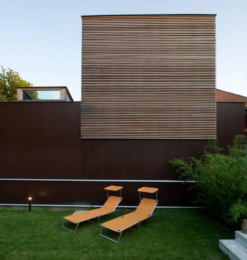 Photo Cecile Champy: Maisons de style  par Fabienne Bulle architecte & associés