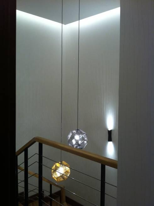 Corridor & hallway by VEN MİMARLIK