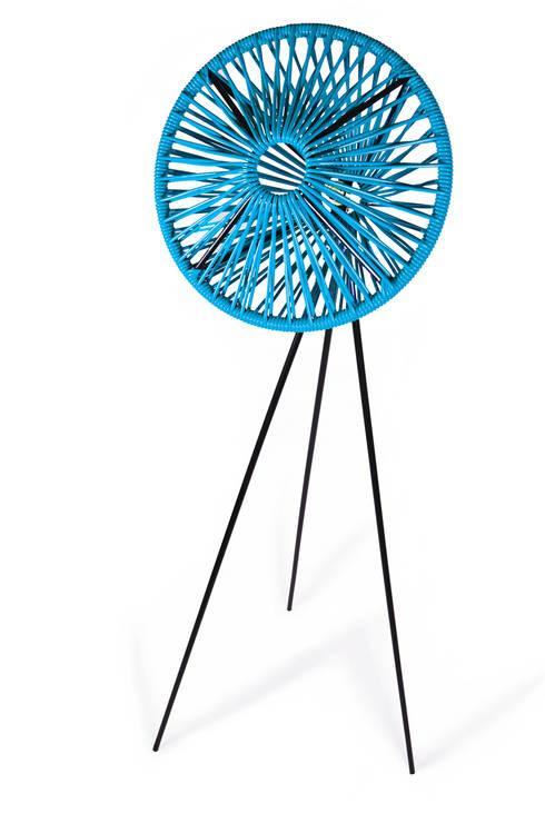 Lampe PIX: Salon de style de style Moderne par boqa
