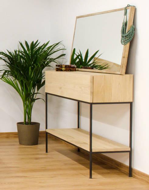 Cómoda de roble: Dormitorios de estilo industrial de Cube Deco