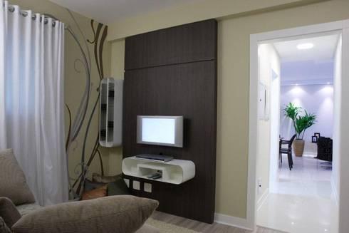 Projeto arquitetônico do apartamento decorado do Porto Atlantico.: Salas de estar ecléticas por ArchDesign STUDIO