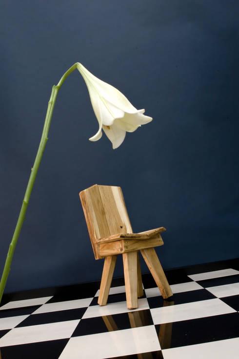 Kids' Chair: moderne Kinderkamer door Bo Reudler Studio