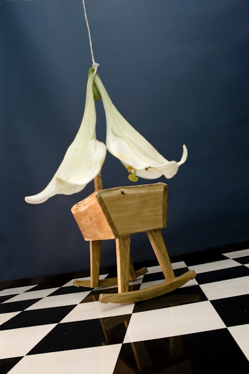 Doll's Cradle: moderne Kinderkamer door Bo Reudler Studio