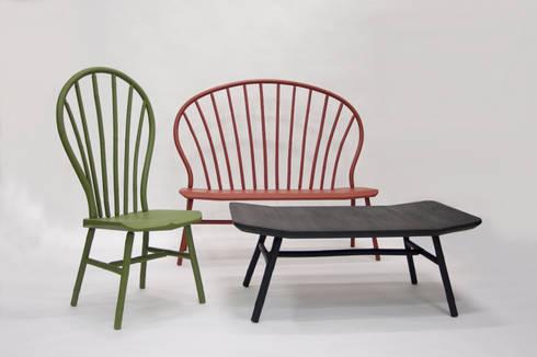 Bamboo Windsor series: moderne Woonkamer door Bo Reudler Studio