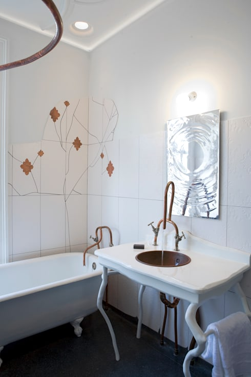 Private Bathroom:  Badkamer door Bo Reudler Studio