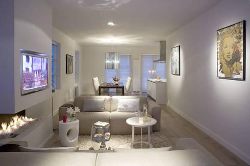 Woonhuis Bergen : minimalistische Woonkamer door By Lenny