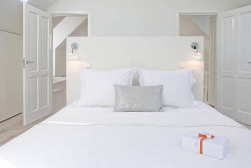 Woonhuis Bergen : minimalistische Slaapkamer door By Lenny