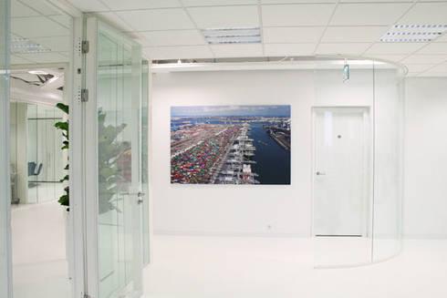 Kantoor Capelle aan den IJssel:  Kantoorgebouwen door By Lenny