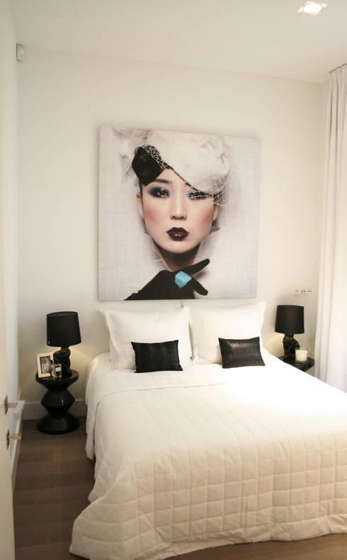 Model appartement Antwerpen, België: moderne Slaapkamer door By Lenny