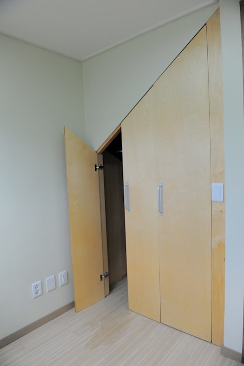 임조의 오두막 : AAPA건축사사무소의  복도 & 현관