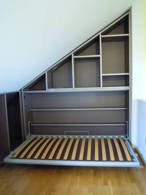 Amueblamiento de Aticos: Dormitorios de estilo  de SQ-Decoración