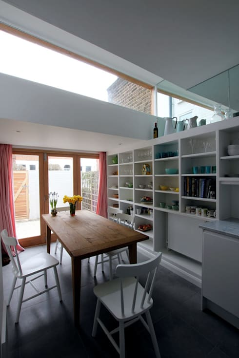 Kitchen extension : modern Kitchen by Affleck Property Services