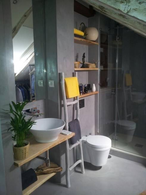 Projekty,  Łazienka zaprojektowane przez Decorando tu espacio