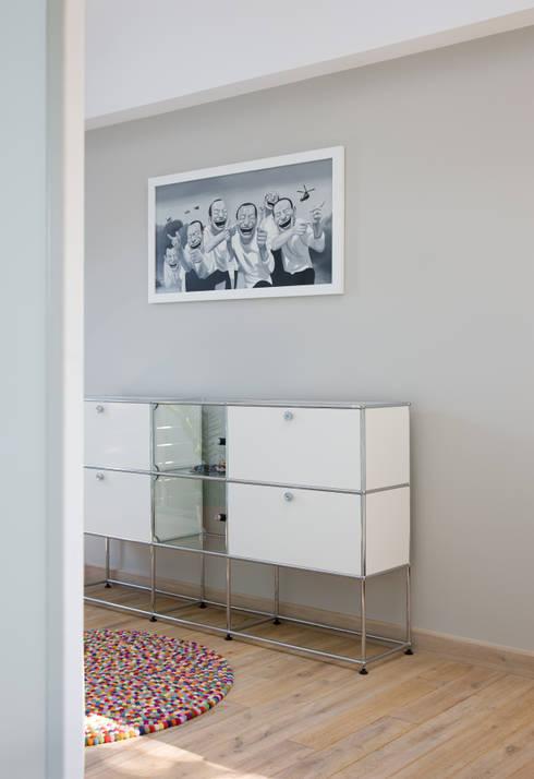 Dom Widzewska: styl , w kategorii Korytarz, hol i schody zaprojektowany przez REFORM Konrad Grodziński