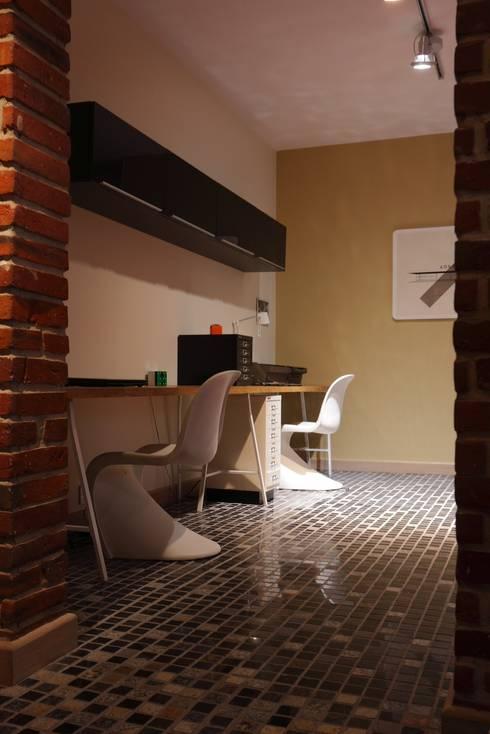 Dom Widzewska: styl , w kategorii Domowe biuro i gabinet zaprojektowany przez REFORM Konrad Grodziński